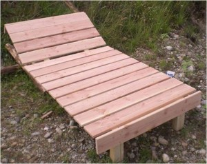 sonnenliege aus holz bauen bauanleitung liegestuhl kippbar aus holz bauplan. Black Bedroom Furniture Sets. Home Design Ideas